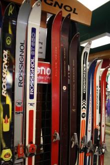 Fernie ski walk shows evolution of ski and snowboard technology