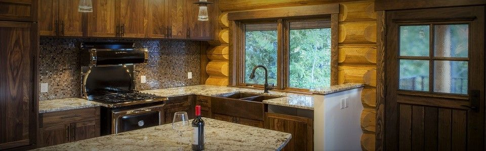 504 Cabin Rental Gourmet Kitchen Fernie BC
